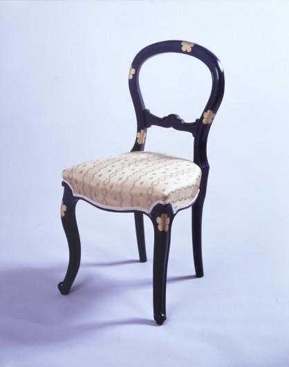 2_710021_椅子_桜蒔絵椅子s
